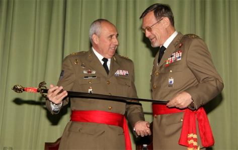 El teniente general Álvarez recibe el Premio Gran Capitán