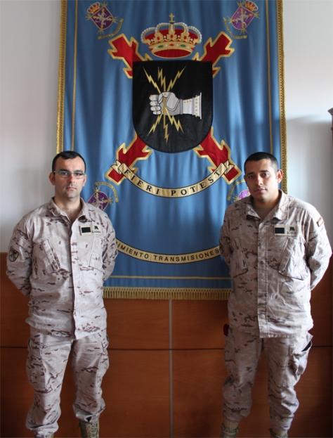 Dos sargentos del Regimiento de Transmisiones nº 2 salvan la vida a un joven