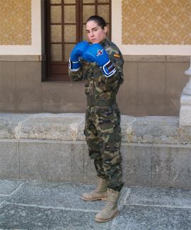 Lara García en la Academia de Artillería