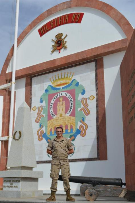 Un soldado del Regimiento de Infantería Soria 9 salva la vida de una mujer y su hijo