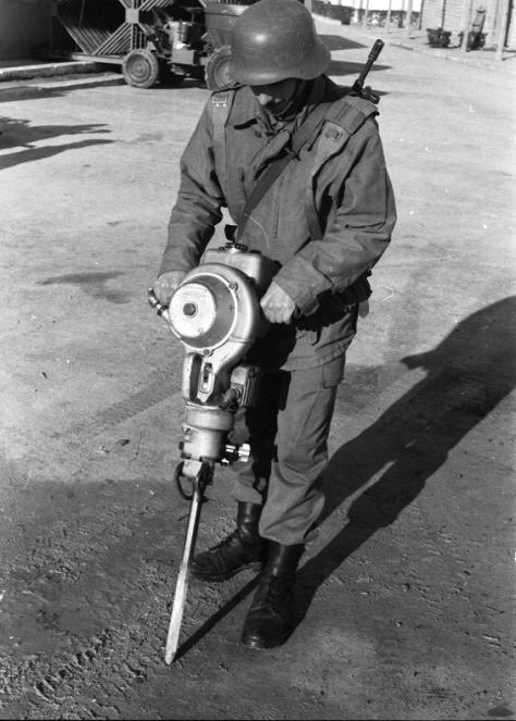 75 aniversario de la creación del empleo de Cabo 1º