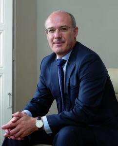 Narciso Michavila es doctor en Sociología y magíster en Estadística Aplicada por la Universidad Complutense de Madrid
