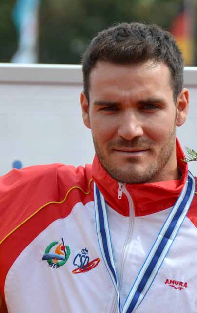 Oro olímpico en K2 200 m (junto a Cristian Toro) y bronce en K1 200 m.