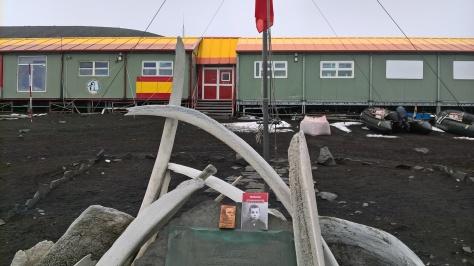 Miguel Hernandez en la Antártida