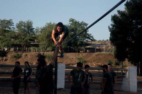 Los jóvenes tienen que demostrar una buena forma física y resistencia