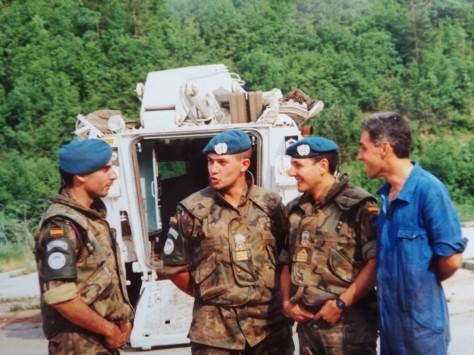 De izquierda a derecha: teniente Aguado, sargento Delgado y sargento 1º Mantecón